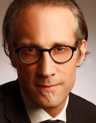 Dr. Oliver Schumann